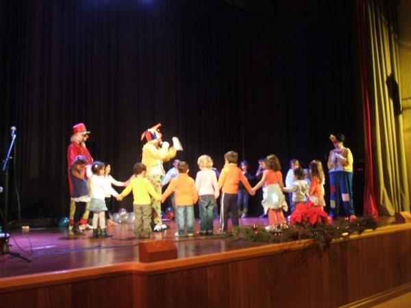 Actuación del Grupo de Payasos Arco-Iris