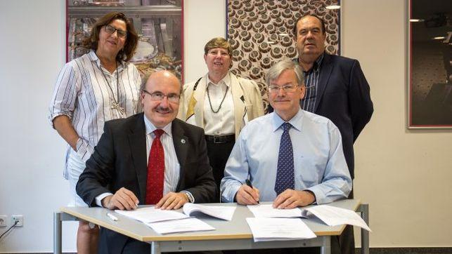 El IAC firma el acuerdo marco para la instalación en Garafía de los 19 telescopios Cherenkov de altas energías