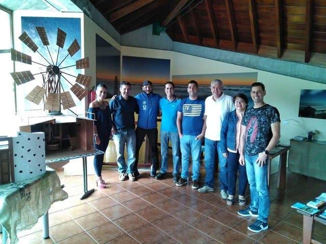 La OIT de Llano Negro acoge una reproducción a escala del antiguo Molino del Calvario realizado por los hermanos Concepción Mesa