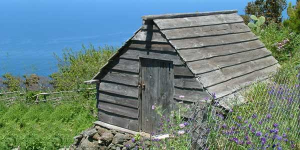 Casas de tablado [Garafía]: Pasado donde naturaleza y hombre convivían en justa relación