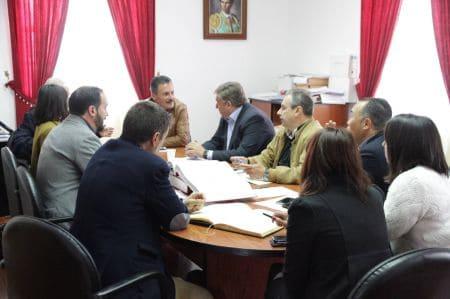 Los alcaldes del noroeste arrancan un compromiso del Gobierno y Cabildo para mejorar las carreteras